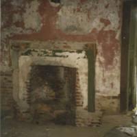 Fireplace_of_the_east_room_of_the_John_Johnson_House_JohnsonReeder_house.jpg