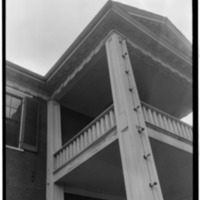 CLOSE-UP_DETAIL_OF_CORNICE_ETC._TO_BALCONY_-_Governor_Robert_Lindsay_House,_U.S._Highway_72,_Tuscumbia,_Colbert_County,_AL_HABS_ALA,17-TUSM,1-4.tif.jpg