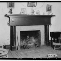 FIREPLACE_IN_E._BED_ROOM_UPSTAIRS_-_The_Oaks,_Ricks_Lane,_Leighton,_Colbert_County,_AL_HABS_ALA,17-LEIT.V,1-9.tif.jpg