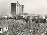 Michigan Central Station Detroit 2.jpg